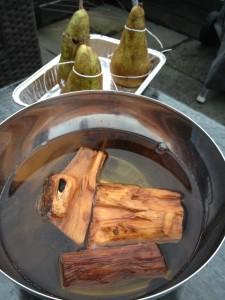 Gevulde peertjes gerookt met appelhout