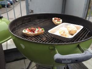 Bruschettas en aardappelen indirect grillen op de Weber